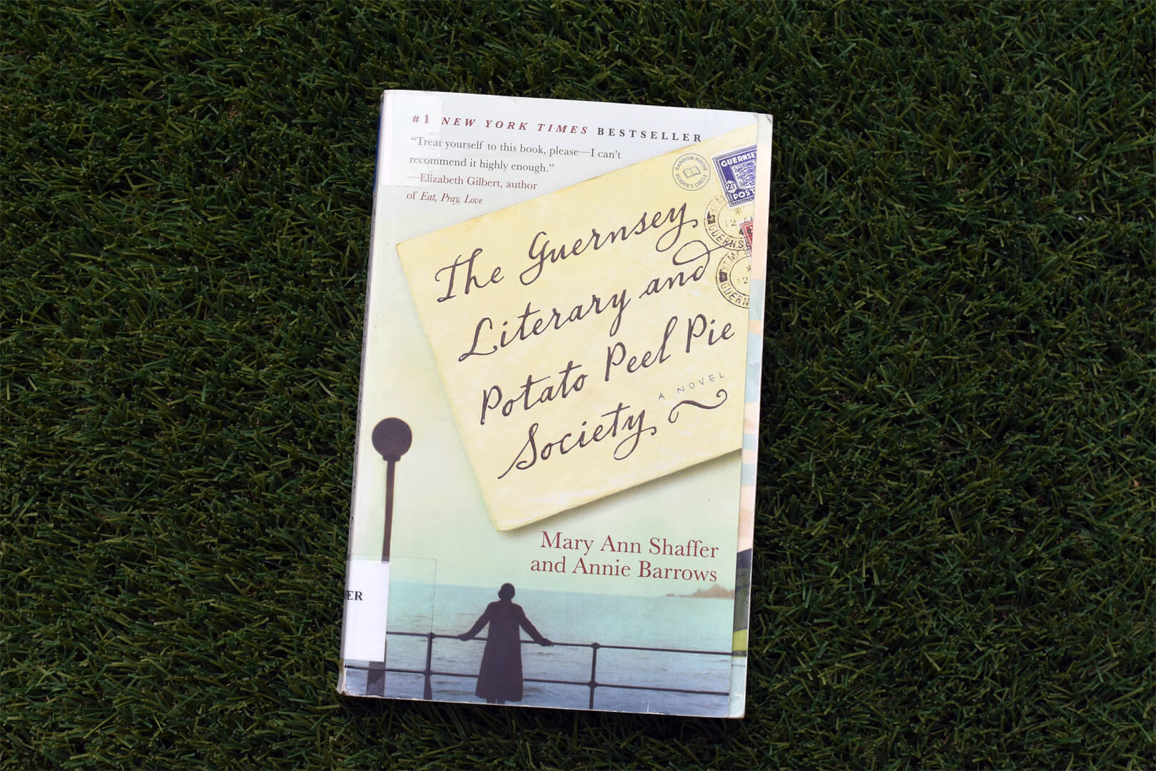 The Guernsey Literary and Potato Peel Pie Society Review - Book Club Chat