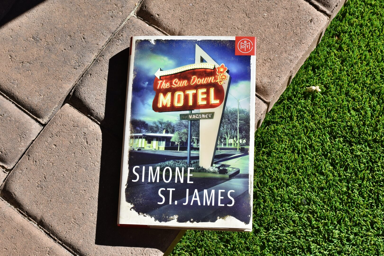 the sun down motel book club questions - book club chat